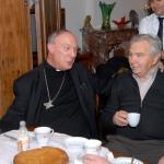 2011-12-03 Aartsbisschop Leonard op bezoek: gesprek zieken en -bezoekers, Kersbeek